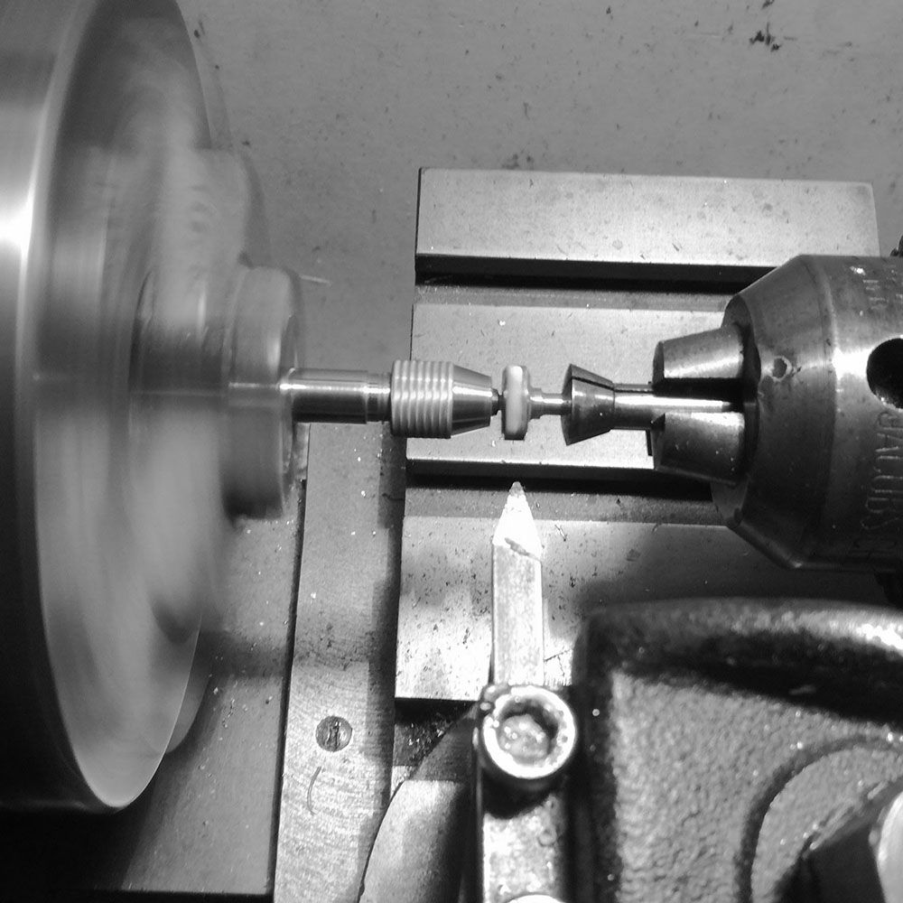 Cutting the radial profile to the crown.