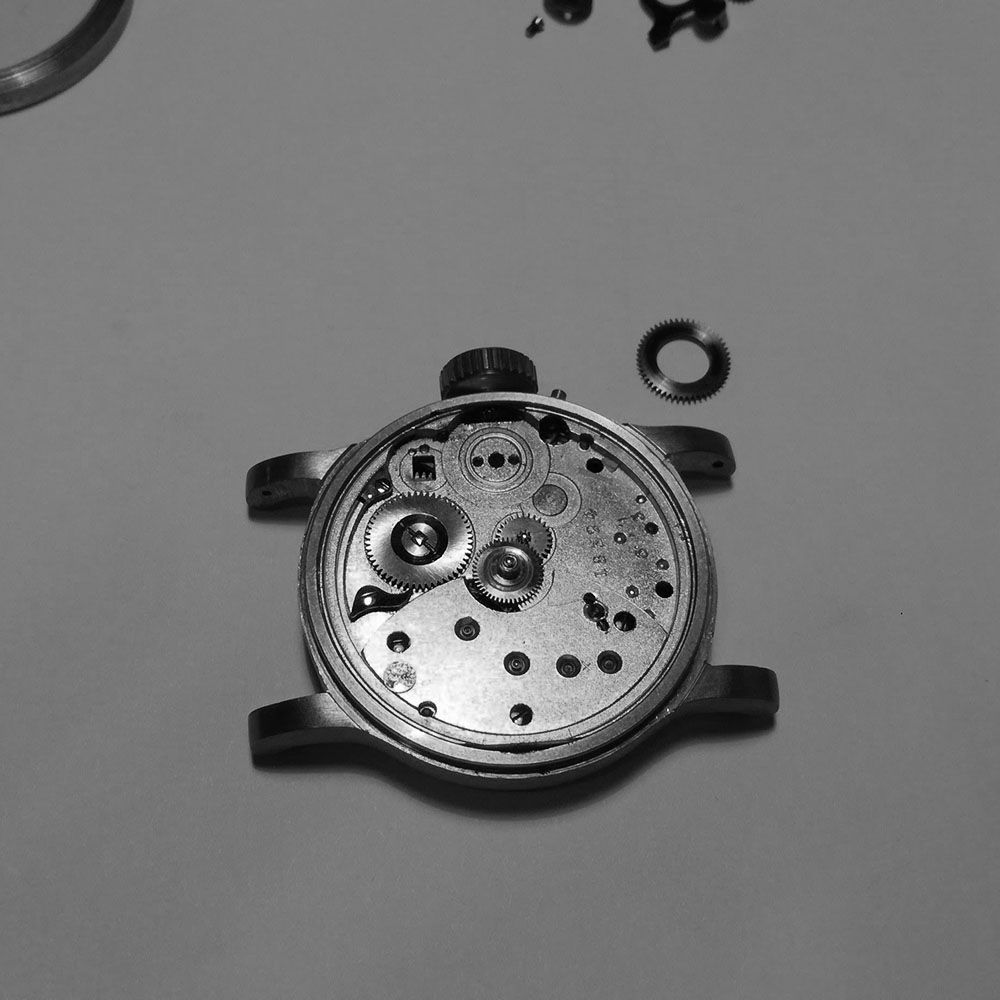 Further disassembly of watch.